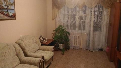 Сдам 1 комнатную на 70 лет Октября с мебелью и бытовой - Фото 1
