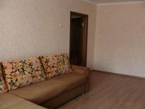 Продажа двухкомнатной квартиры на Рябиновой улице, 24 в Курске, Купить квартиру в Курске по недорогой цене, ID объекта - 320006608 - Фото 1
