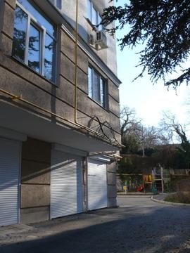 Продается капитальный гараж в центре Севастополя (пл. Ушакова). Торг. - Фото 1