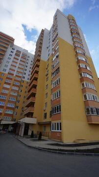 Однокомнатная квартира в монолитном доме, с новым ремонтом. - Фото 1