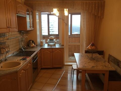 Продается 3 комнатная квартира на улице Льва Толстого, район Турынино - Фото 2