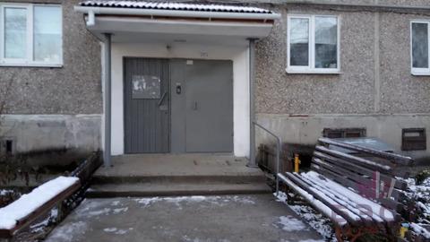 Объявление №64283110: Продаю 2 комн. квартиру. Ревда, ул. Российская, 42,