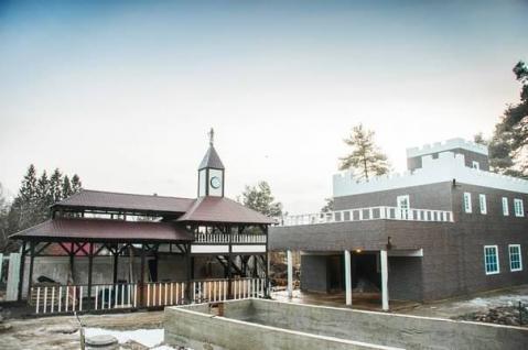 Коттедж в стиле замок с банкетным залом рядом озеро и гор курорт - Фото 2