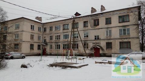 Продается двухкомнатная квартира в надежном доме с высокими потолками