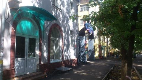 1 линия, 1 этаж под офис или услуги с витринными окнами - Фото 1
