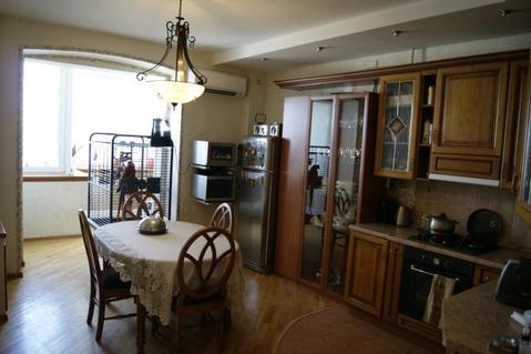 Красивая 3-х комн. квартира 125 кв.м. 9/10 кирп на Космонавтов, д.41 - Фото 1