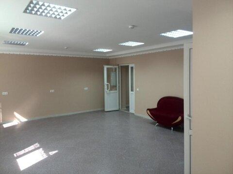 Продам Торгово-офисное помещение, с отдельным входом с первой линии. . - Фото 2