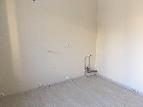 Двухкомнатная квартира с ремонтом в Изумрудных Холмах - Фото 3