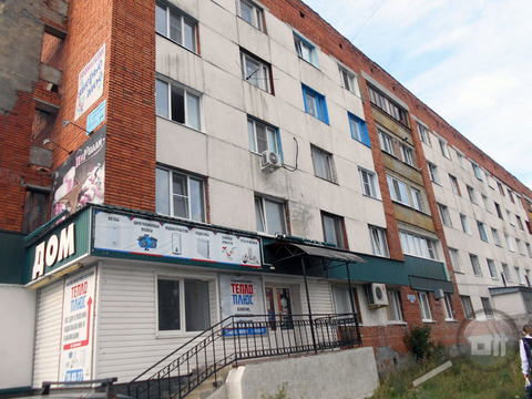 Продается комната с ок, пр. Строителей - Фото 1
