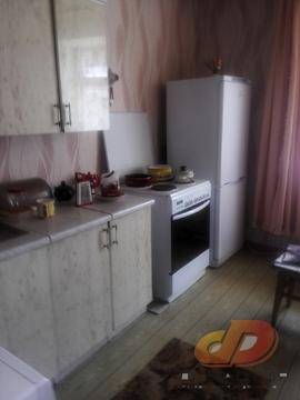 Двухкомнатная квартира, кирпичный дом, требует ремонта. - Фото 1