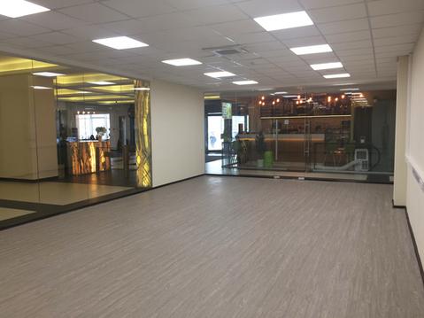 Аренда торгового помещения 70.3 кв.м с отделкой в БЦ класса B+. 150. - Фото 4