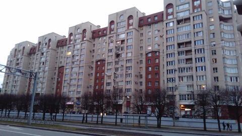 Сдается 2 к.кв. в Василеостровском районе, ул. Нахимова,11. - Фото 1