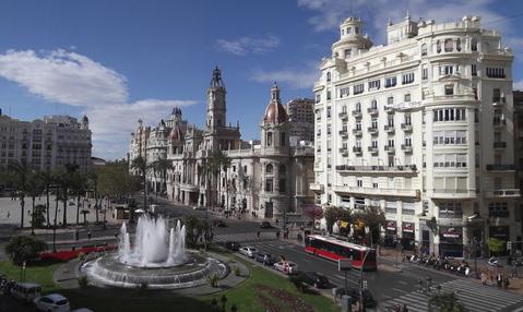 Продается отель в центре Валенсии.