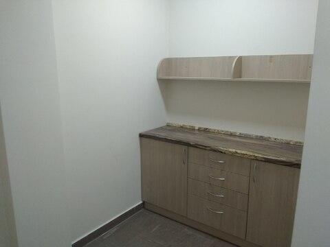 Помещение с отдельным входом, 36 кв.м. Свежий ремонт, санузел - Фото 3