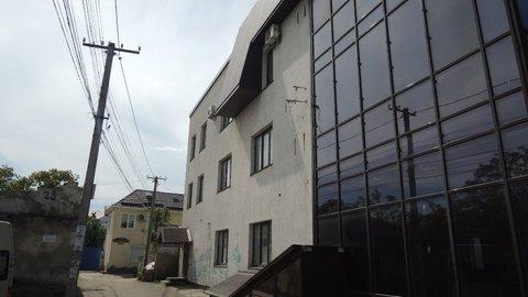 Продается 3-х этажное торгово-офисное здание по ул.Караимской - Фото 2
