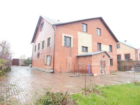 Трехэтажный дом 480 кв м на участке 13 сот в п.Тучково - Фото 1
