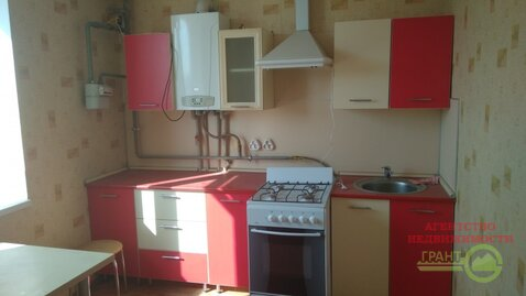 Новая трехкомнатная квартира с индивидуальным отоплением и встроенной ., Купить квартиру в Белгороде по недорогой цене, ID объекта - 321187587 - Фото 1