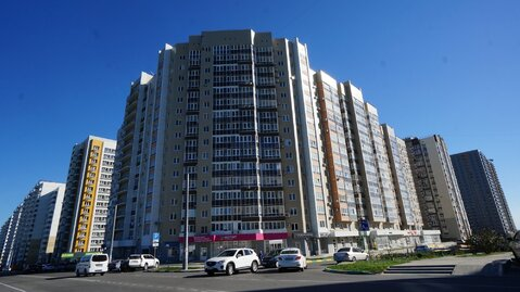 Купить квартире в доме повышенной комфортности, Южный район. - Фото 1