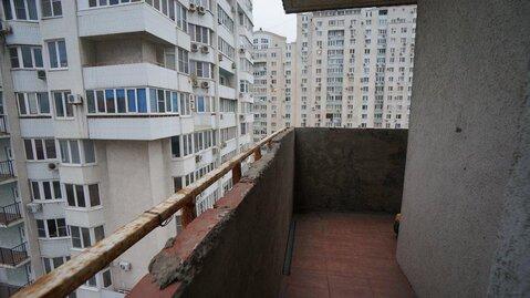 Купить квартиру в Новороссийске, трехкомнатная с ремонтом, монолит. - Фото 4