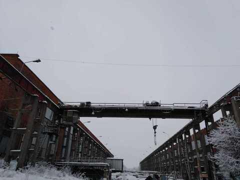 Сдаётся Уличная площадка с мостовым краном 2900м + ответхранение - Фото 2