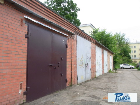 Продаю капитальный кирпичный гараж в центре города Новомосковск - Фото 1