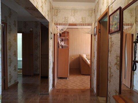 В спальном районе, хорошей инфраструктурой продаётся 4-х комнатная - Фото 2