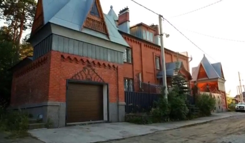 Продам: особняк 390 кв.м. на участке 12 сот - Фото 1