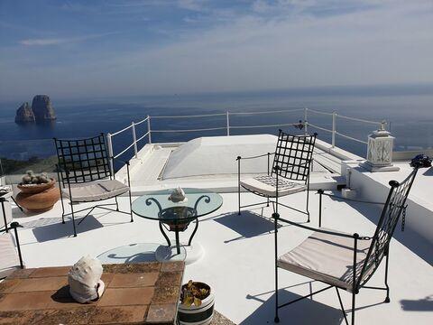 Аренда эксклюзивной виллы для отдыха на острове Капри, Италия - Фото 1