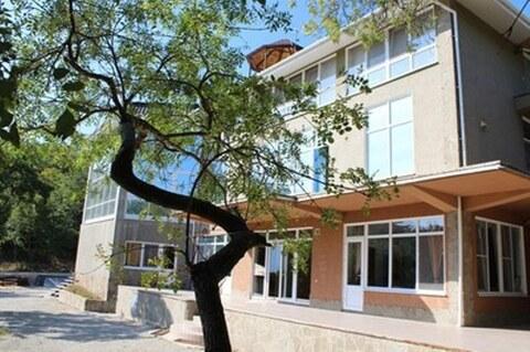 Продам отличный дом 748 м в Алупке на уч 28 соток - Фото 1