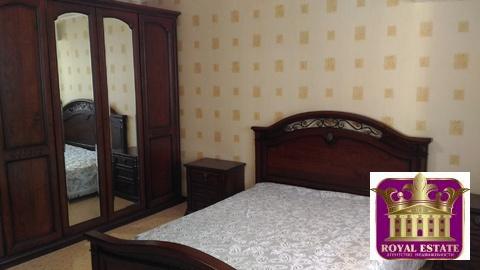 Сдам большую 4-х комнатную квартиру в центр с ремонтом в новострое, пл - Фото 2