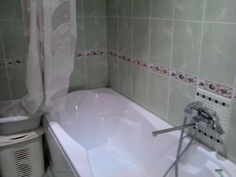 2 комнатная квартира с хорошим ремонтом в монолитном доме. - Фото 5