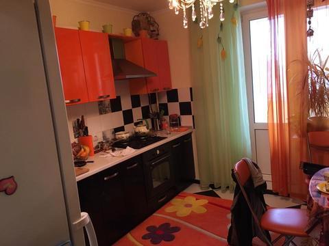 Продам 2-к квартиру, 69 м2 - Фото 1