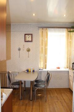 Квартира расположена в тихом центре в 10 минутах ходьбы от Волжской . - Фото 2