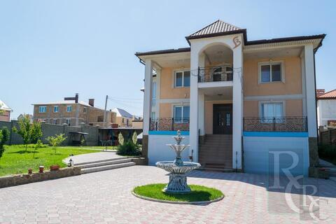 Дом с дизайнерским ремонтом в престижном районе - Фото 1
