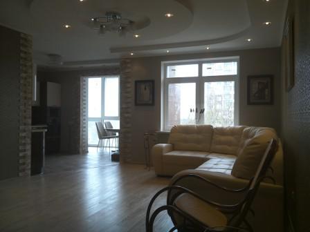 Продается 2-комнатная квартира на ул. Фомушина - Фото 1