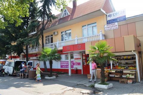 Двухэтажное здание с коммерческими помещениями на ул.Урожайная. - Фото 1