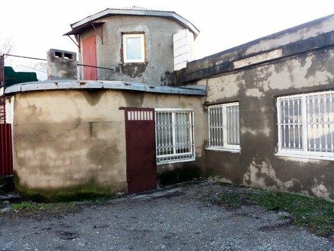 Купить двухкомнатную квартиру под коммерцию в Новороссийске - Фото 1