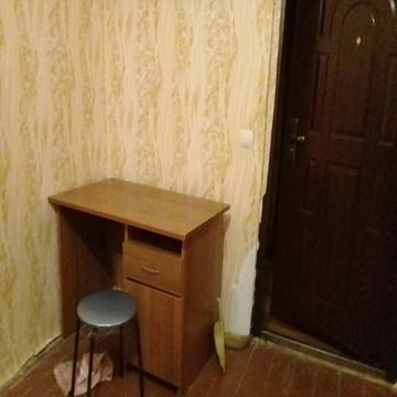 Комнату 14 кв. м. ул. Джона Рида г. Серпухова. - Фото 2
