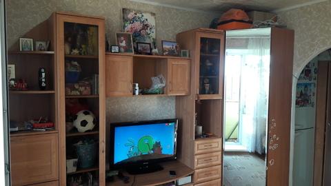 Продам комнату с балконом рядом с ТЦ макси - Фото 1