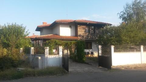Дом в Болгарии, с. Брястовец - Фото 1