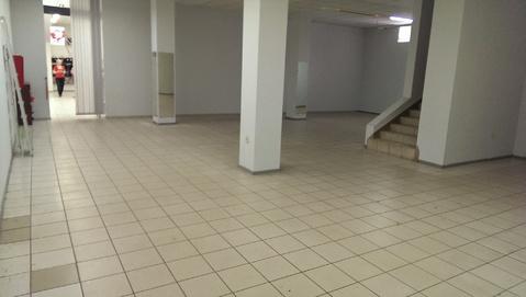 Сдам торговое помещение на первом этаже в центре - Фото 2