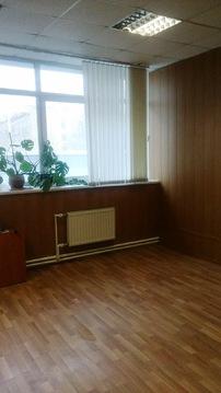 Офисное помещение на втором этаже бизнес-центра. 35 кв.м. - Фото 1