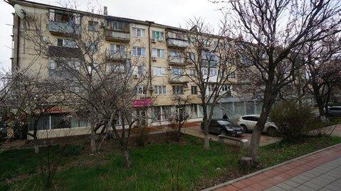 Купить квартиру в Новороссийске, возле моря, центральный район. - Фото 1
