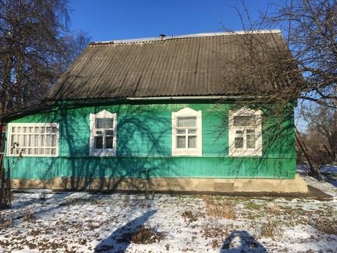 Продаётся хороший бревенчатый дом на одной из центральных улиц - Фото 1
