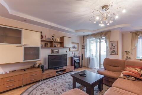 Продается 2-к квартира (улучшенная) по адресу г. Липецк, ул. . - Фото 1