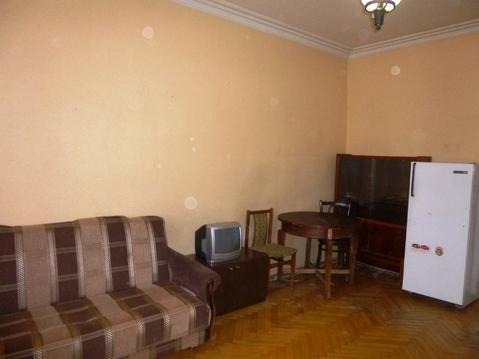 Комната в трехкомнатной малонаселенной коммуналке - Фото 1
