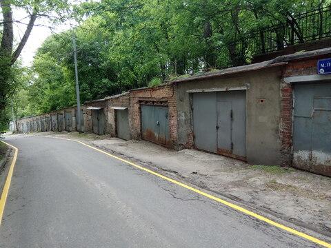 ЦАО недалеко от Курского вокзала сдам кирпичный гараж - Фото 1
