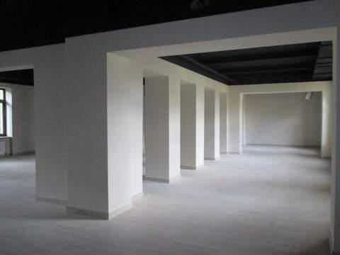 Аренда торгового помещения 282.5 м2 - Фото 1