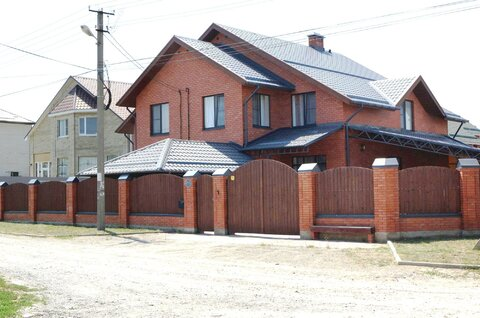 1/2 часть дома - 174 кв.м. по ул. Шукшина в г. Ставрополе - Фото 1