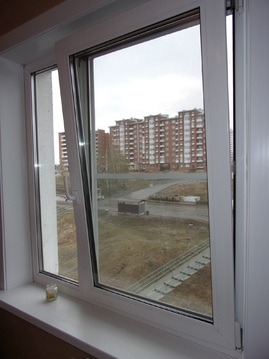 Продам пустую 1-комнатную квартиру с балконом на Баумана - Фото 1